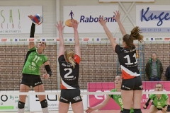 17-03-2019: - MoniekJansen - BentheOldeRikkert - IlonaterAvest - Volleybal: Vrouwen Dynamo Draisma v Apollo 8: ApeldoornEredivisie volleybal dames degradatiepouleMoniek Jansen of Dros Alterno, Benthe Olde Rikkert en Ilona ter Avest of Apollo 8Degradatiepoule; eredivisie volleybal; seizoen 2018-2019; dames;